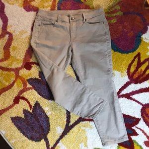 Ann Taylor Loft skinny ankle khaki jeans